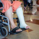交通事故で足に後遺障害が残った場合の慰謝料相場について