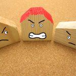 ご近所や隣人トラブルはすぐに弁護士相談すべき?依頼するメリットや費用相場を解説