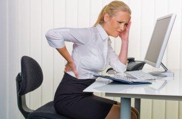 デスクワーク 腰痛